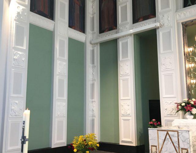Friedenskirche Aue Zelle Reprofilierung der Stuckelemente Neuanstrich mittels Leimfarben in verschiedenen Farbtoenen 2