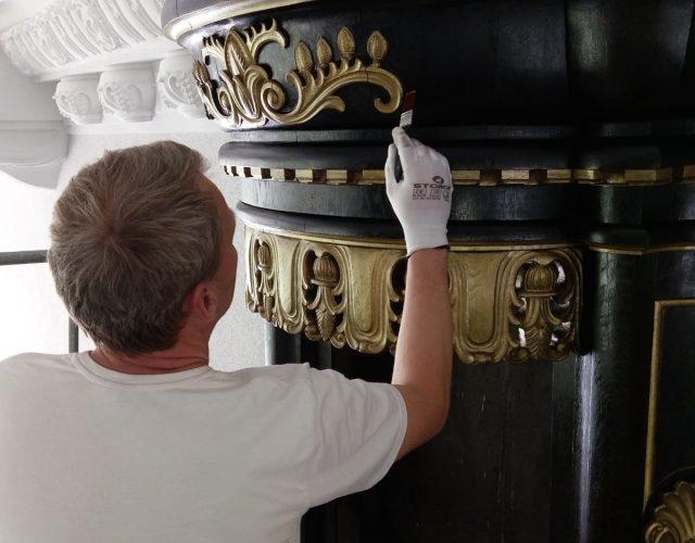 Friedenskirche Aue Zelle Ueberarbeitung der Holz und Metallflaechen der Orgel 2