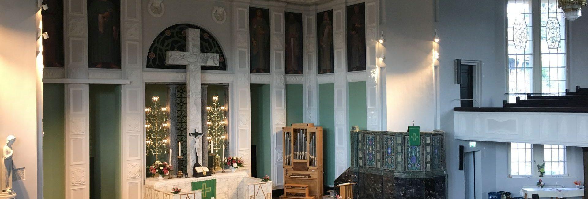 Friedenskirche Aue Zelle Ueberarbeitung der Holz und Metallflaechen der Orgel 3